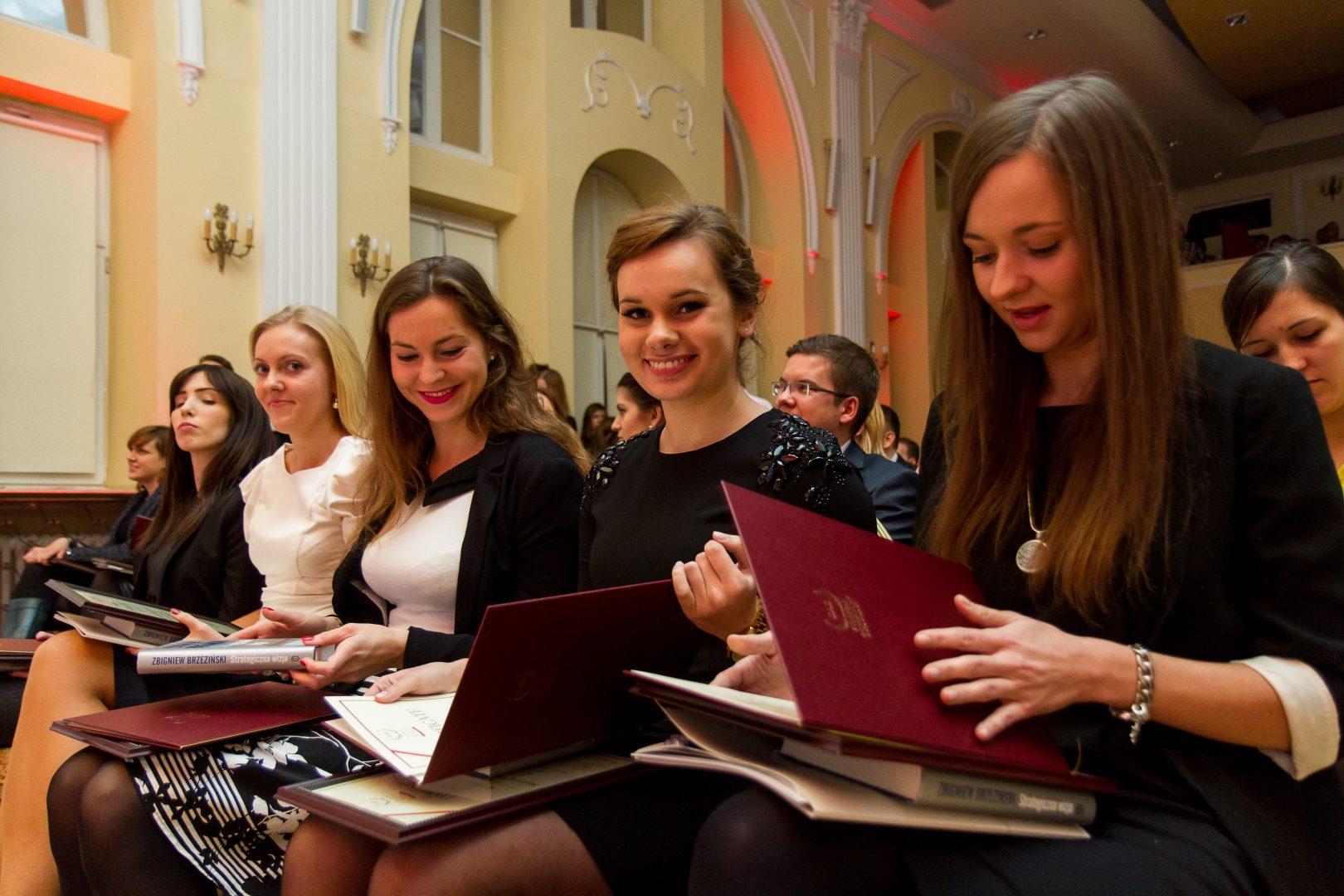 Rekrutacja doXIII edycji Akademii Młodych Dyplomatów