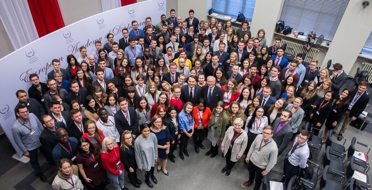 Najlepsza szkoła dyplomacji wEuropie Środkowej – tylko6 dni dozakończenia rekrutacji!